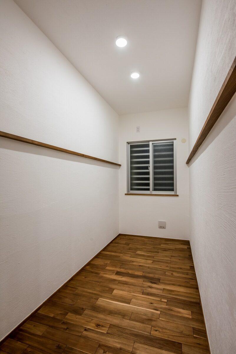 書斎や家事室としても使用できる多目的ルーム