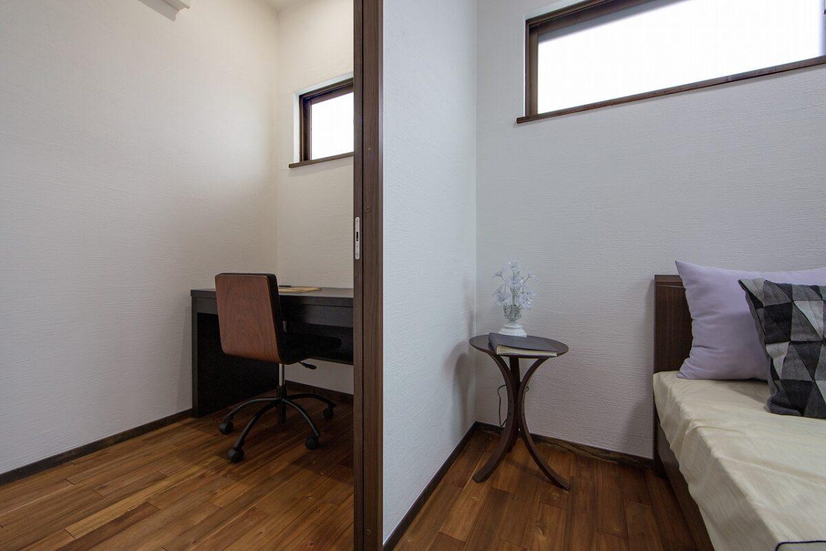 二世帯 2階部分 寝室と書斎