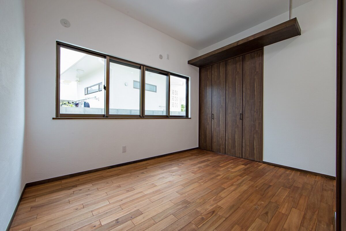 二世帯 1階部分 洋室